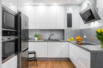 White kitchen in modern style idea